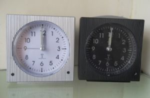 Réveil radio contrôlé (KV-008A)