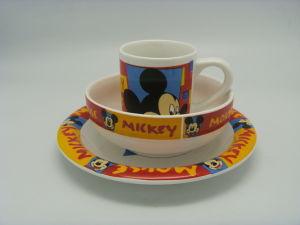Het Ceramische die Vaatwerk van Disney Themed met Kostuum wordt geplaatst