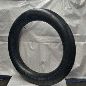 11.2-38農業のタイヤの内部管の黒の自然なかButylゴム
