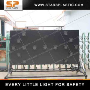 La freccia infiammante di energia solare LED si imbarca sul segno per sicurezza stradale