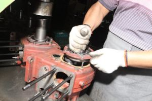 저가 물에 의하여 냉각되는 디젤 엔진 (R175A)