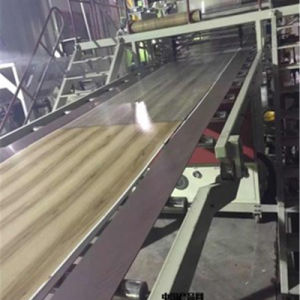 Spc Flooring Extrusion Machine Machine des revêtements de sol en vinyle de faire l'extrudeuse