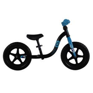 [12ينش] طفلة ميزان درّاجة لأنّ طفلة نشيطة