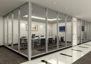 Design interieur agencement bureau moderne chic verre chaise
