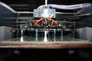 Máquina de relevos de papel