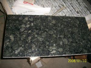 Flooring/Counter Topのための蝶Green Granite Tile