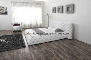 革が付いているヨーロッパ式の贅沢な寝室の家具の柔らかいベッド