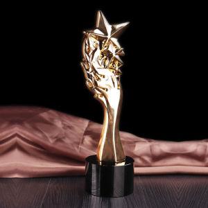 Los Premios de la moda para la escuela de diseño de celebración del trofeo de cristal