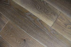 Ingeniería de suelos de madera de roble, cepillado, Laca UV