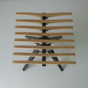 Il legno conveniente e piccolo barra gli sgabelli di barra