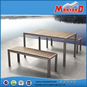 普及した屋外の家具のチーク木ベンチ