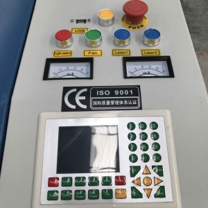 automatischer CO2 Engraver Laser-80With100With120W und Scherblock-Maschine