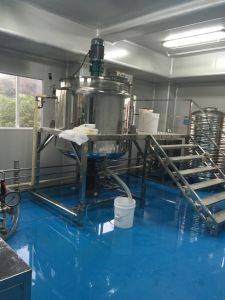 Le liquide de lavage mélangeur d'homogénéisation à crème cosmétique