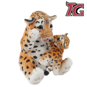 Bébé et la mère de la jungle de gros animaux un jouet en peluche