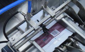 Sellador de llenado de líquido rotativa automática Máquina de embalaje