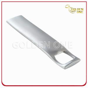 高品質レーザーは金属の栓抜きを刻む