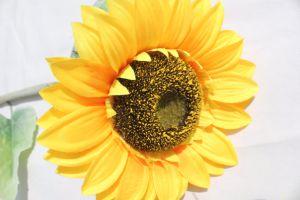 ホーム装飾のための黄色いヒマワリの人工花の絹の擬似花