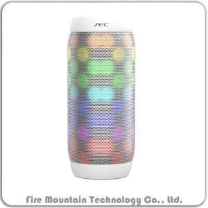 Bq615-PRO mini LED variopinto basso eccellente senza fili con l'altoparlante di Bluetooth lampeggiante