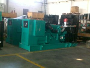 500kVA Cumminsのディーゼル発電機スタンバイ560kVA 450kw Cumminsの発電機
