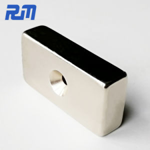 De super Sterke Blok Verzonken Magneten van het Neodymium met de Gaten van de Schroef N52