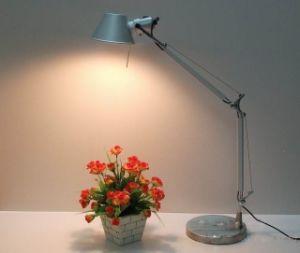 Moderner einfacher Entwurf für Studien-Raum-Anzeigen-Beleuchtung-Aluminiumtisch-Lampe