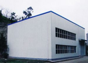 Certificado ISO edificio con estructura de acero