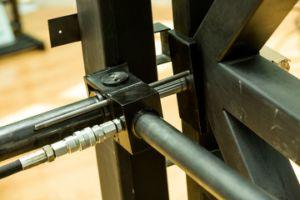 A basso rumore: Using un insieme della batteria, apri idraulico del portello