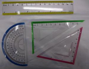 Il righello della cancelleria 15cm ha impostato il righello stabilito del banco del righello dell'allievo della geometria di 15cm