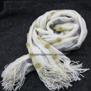 Fringeの100%のアクリルFashion White Bubble Warp Knitted Scarf