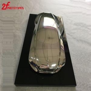 L'automobile di CNC parte il CNC che lavora il prototipo alla macchina veloce