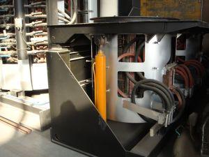 Fornace di fusione di induzione per fusione dei metalli