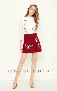 La moda de las mujeres de color blanco de encaje bordado Top Top