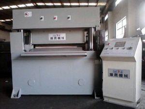 تغذية أوتوماتيكية الدقة أربعة العمود CNC الطابق يموت آلة قطع (XYJ-3/100)
