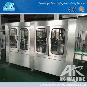 Enchimento de Bebidas Carbonatadas automática a uma máquina de engarrafamento