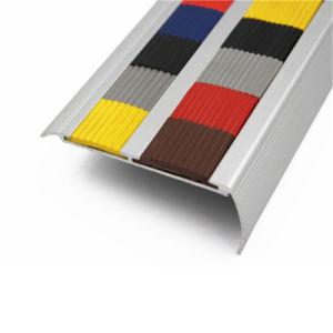 Piezas de la escalera de metal a prueba de abrasión el paso de canto de la seguridad de la escalera Nosing antideslizante de aluminio