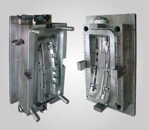 Fabrico OEM do Molde de Injeção Automática de plástico para auto peças da Lâmpada