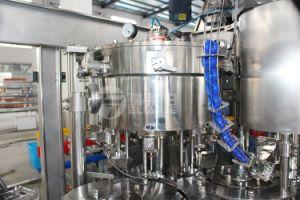 Botella de plástico los refrescos carbonatados (CDS) Máquina de Llenado