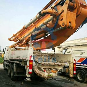 2013 Zoomlion 49m, utilizadas sobre camión bomba pluma
