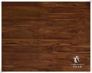 Suelos de madera de acacia, de color madera de teca,