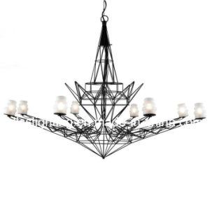 Design de personalidade criativa Arte Ferro LED Suspensão Lustre da Torre Eiffel