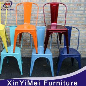 Большой обеденный зал назад Председатель/металлический стул и современной мебелью.
