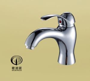 クロムが付いている真鍮の物質的な単一のレバーのシャワーのコックは64914をめっきした