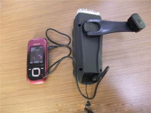 Manivelle de la 3 LED Dynamo Lampe de poche avec la radio FM