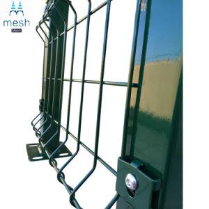 工場機密保護によって溶接される金網の塀のパネル