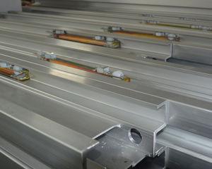 Один мачты антенны рабочей платформы (максимальная высота 10m)