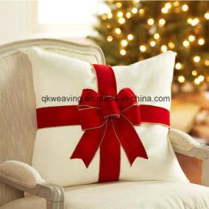 Arco rosso del nastro del velluto per l'imballaggio del regalo