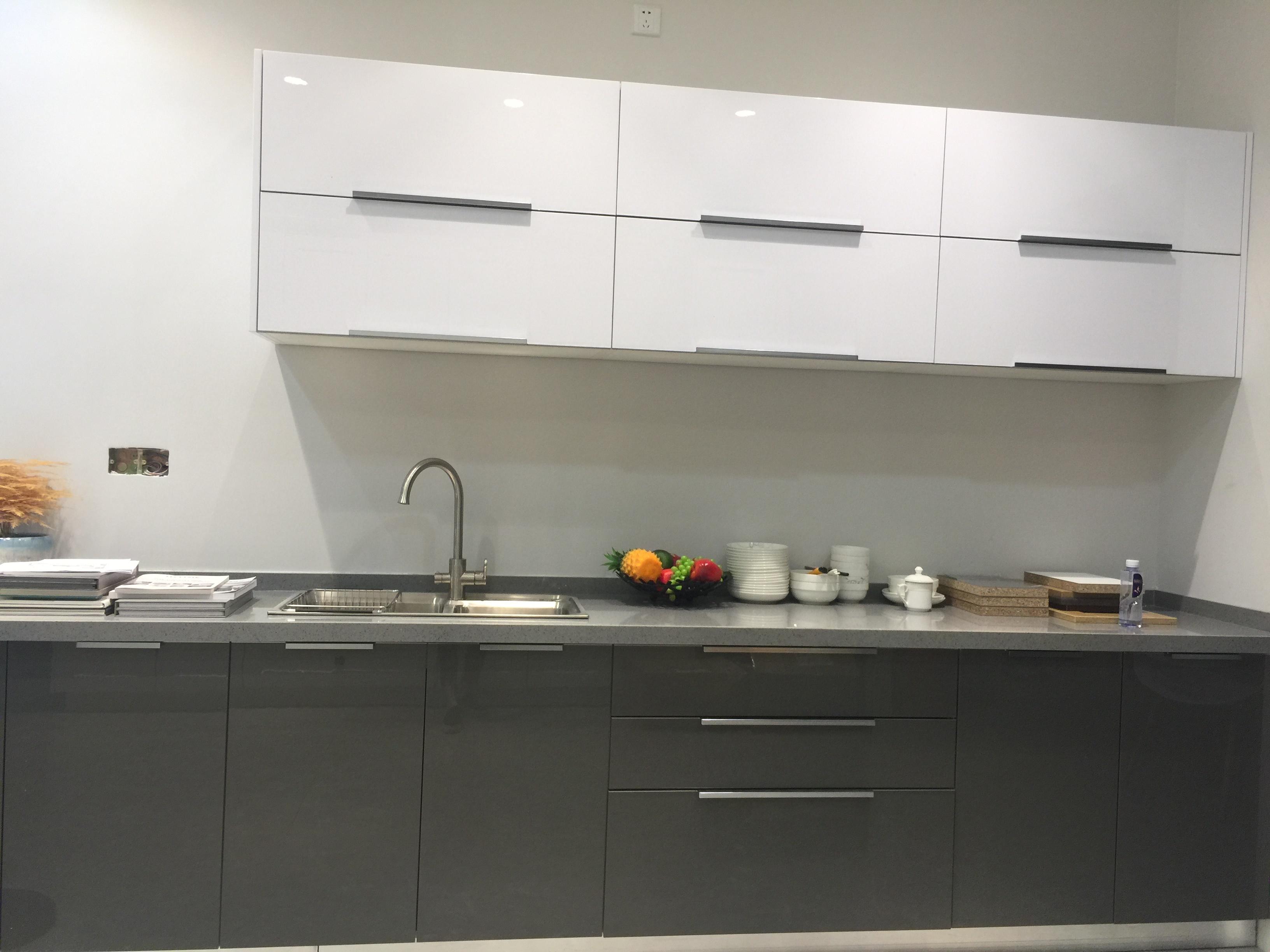 Modern White Acrylic Simple Kitchen Furniture Cabinet With High Gloss Acs2 L193 China Modern Beautiful Kitchen