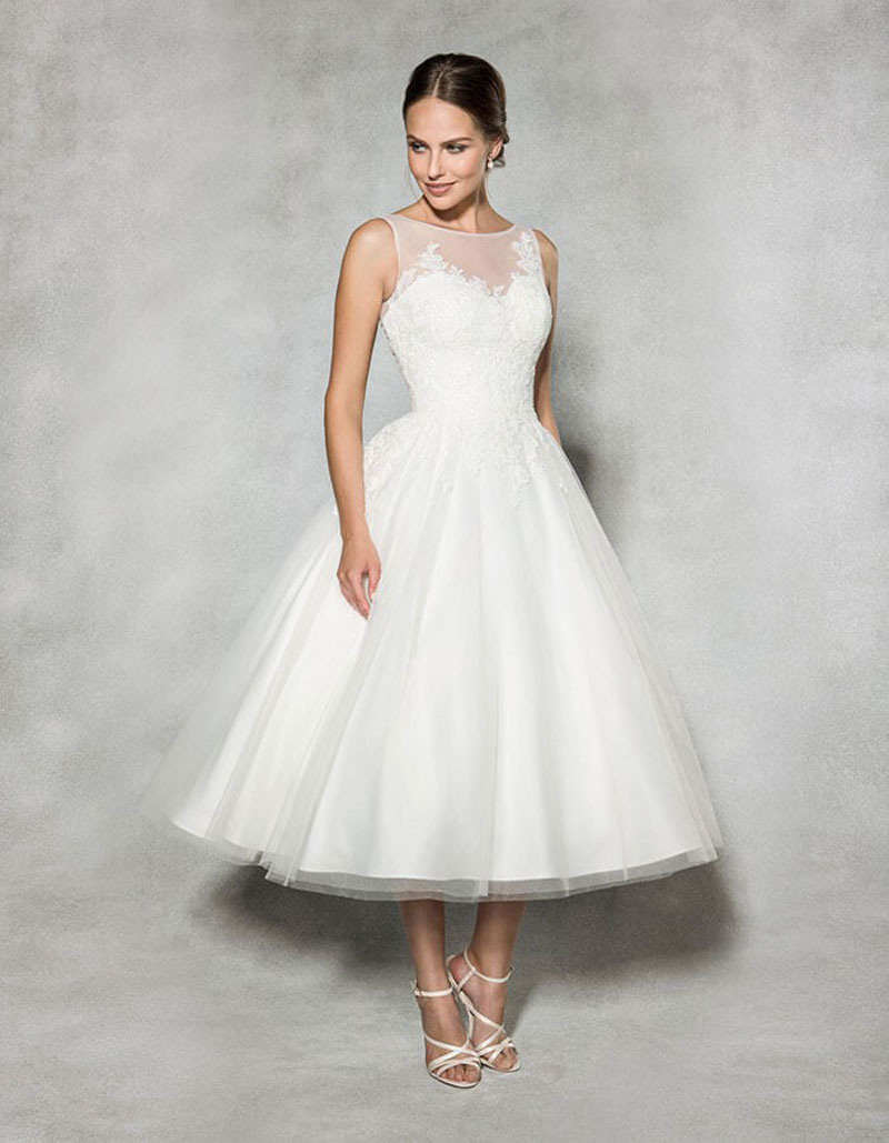231816ff091 Style  W18239 Robe de mariage de Thé-Longueur de type de cru avec le lacet  embelli