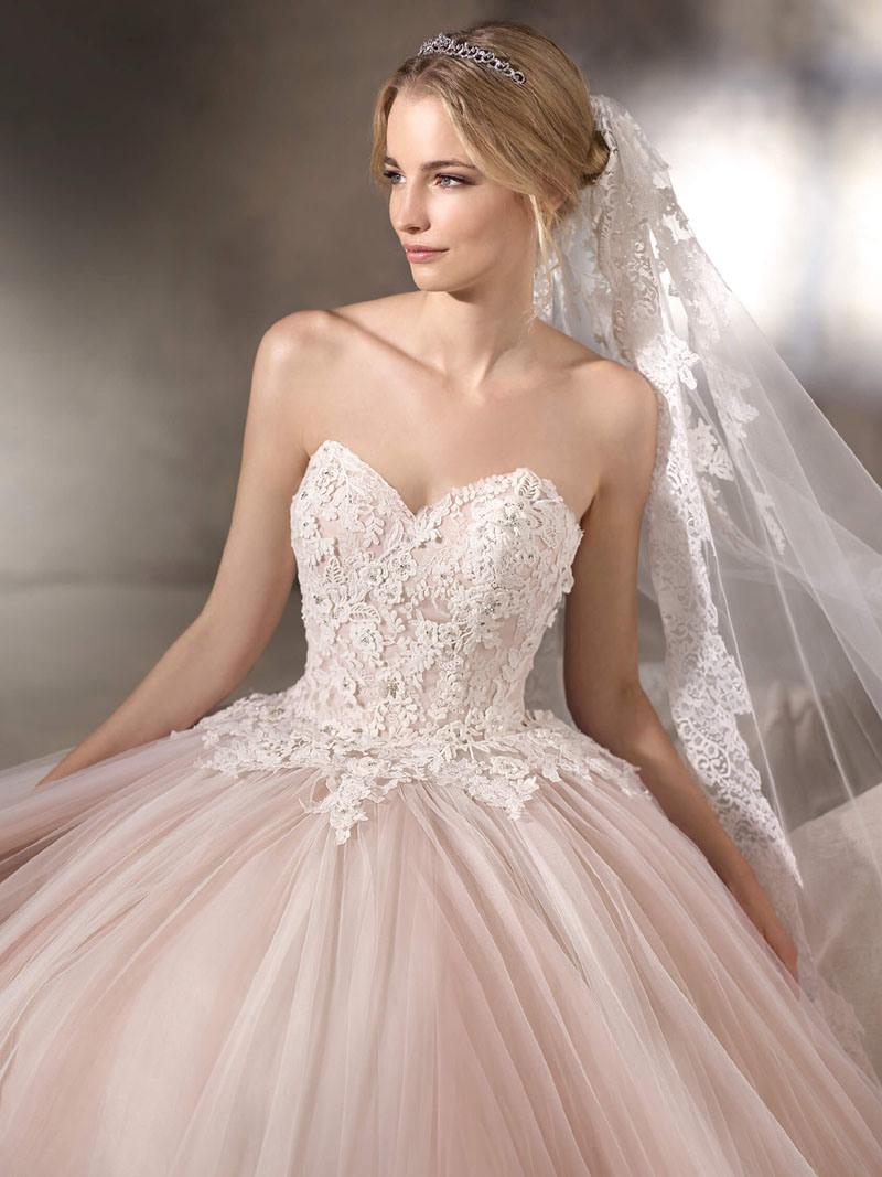 Belle robe de mariage sans bretelles de robe de bille d for Robes sans bretelles pour les mariages