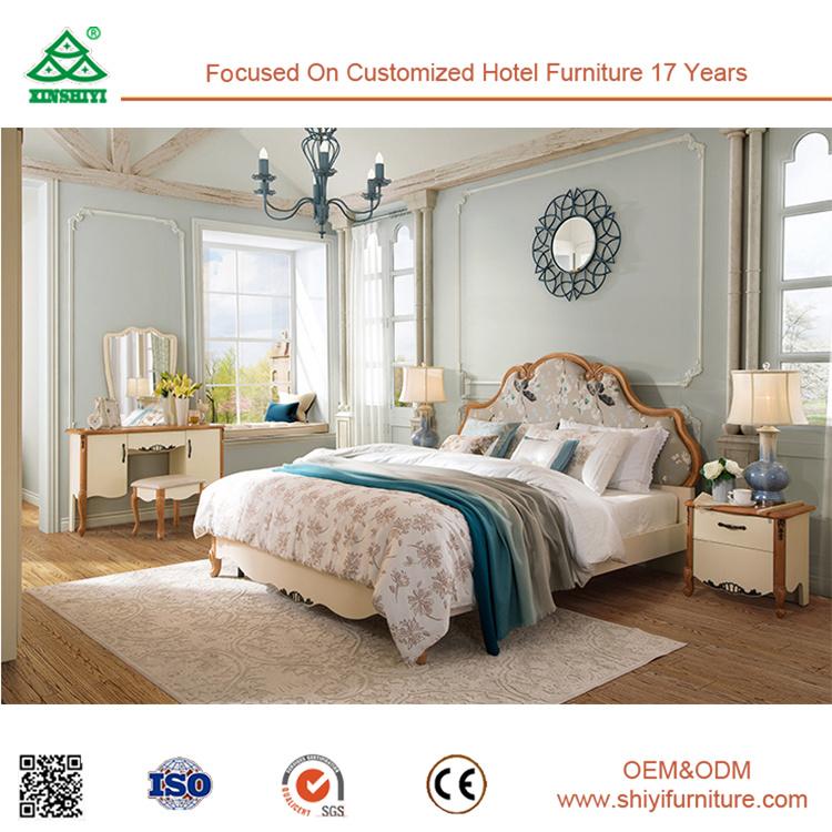 Casa de madera de roble Muebles de dormitorio con cama doble ...